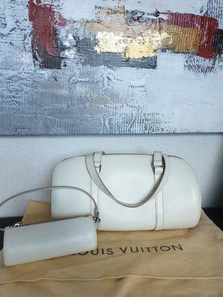 🚚 Authentic Louis Vuitton Epi Leather bag