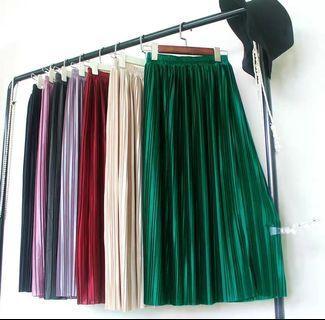 Pleated Midi Skirt green