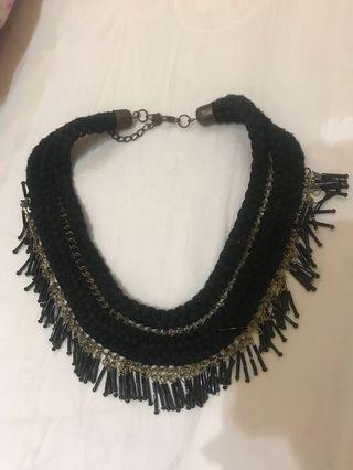 Necklace fringe black gold