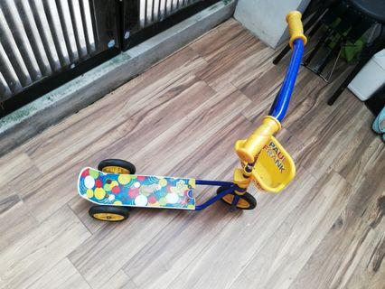 Leg kick Scooter