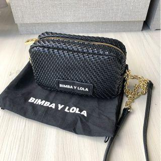 BIMBA Y LOLA (RP$240) SMALL BLACK PLAITED CROSSBODY BAG