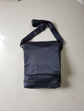 Nixon Crux Messenger bag