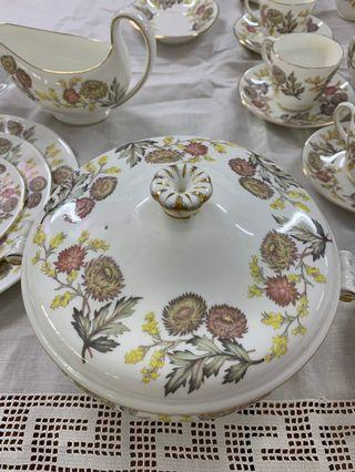 Wedgwood dinner set 6 pieces