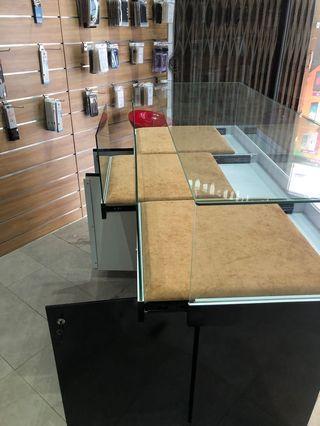 Display cabinet (Kabinet kaca)