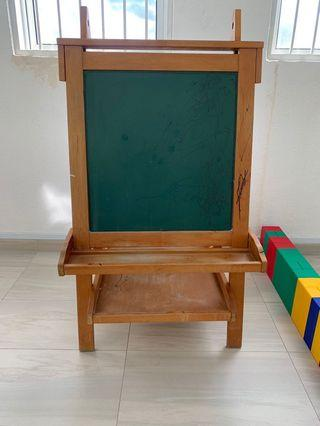 🚚 Wooden Black and white drawing board