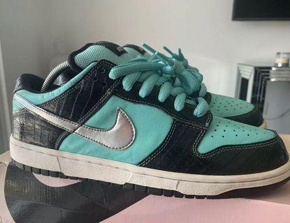 二手美品 Nike Dunk low SB Diamond 10號 Tiffany 比yeezy offwhite bape supreme少