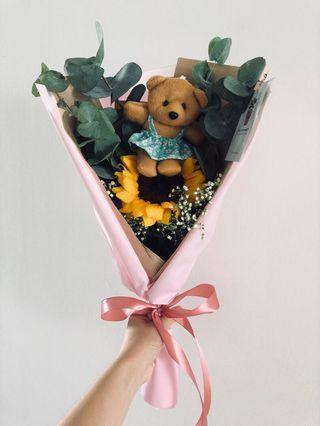 • Sunflower Bear Graduation Bouquet •