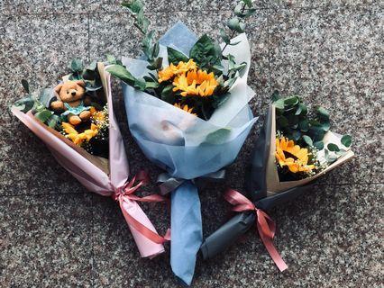 • Graduation Bouquets •