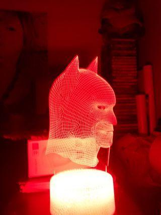 BATMAN 3D LED LAMP w white crack base