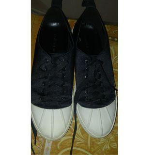 Charles and Keith Black Sneakers - Preloved - Size 8