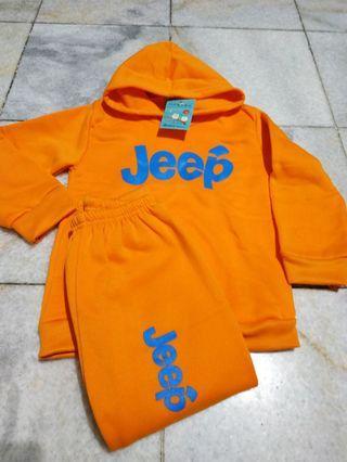 Baju setelan panjang hangat. Jeep orange 4-5y