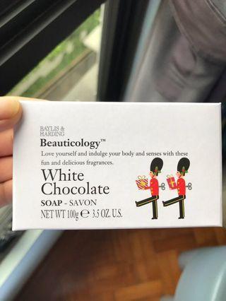 🚚 White Chocolate Soap (Baylis & Harding)