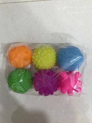 Textured soft balls