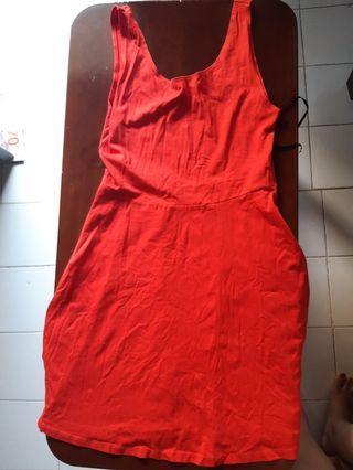 (Jual 2nd) NEWLOOK mid dress warna merah bahan melar