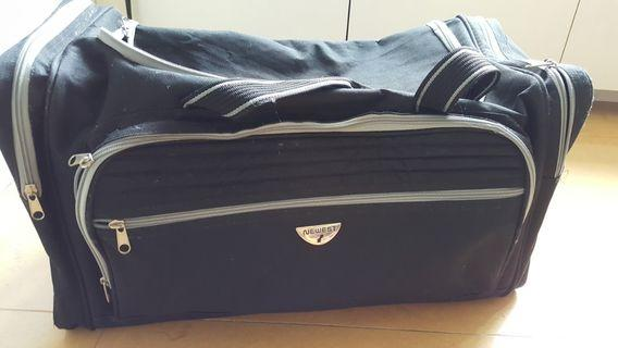大旅行袋約56×30×32公分