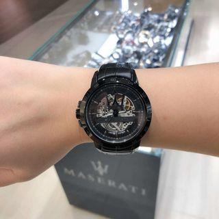 ♥️父親節限時快搶🎁亞洲限量版👍限量288只🏎🇮🇹瑪莎拉蒂Maserati.每隻手錶底盤都刻有獨立限量編號!45mm帥氣十足自動械男錶.100米防水.黑鋼色鏤空錶盤.黑色真皮錶帶.全球聯保兩年.專櫃價$5080♥️