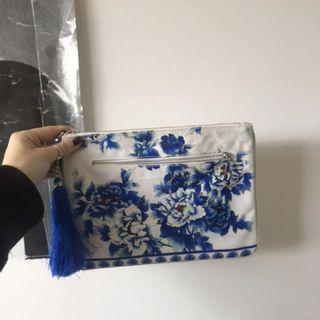 Camilla purse