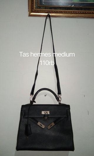 Aneka tas wanita