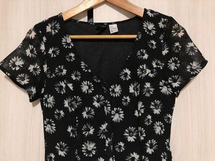 🚚 H&M mono floral dress