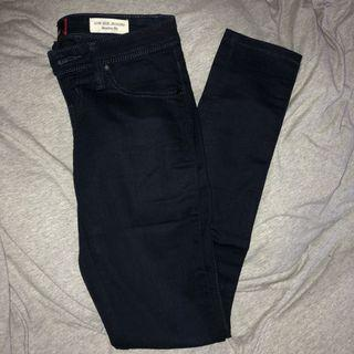Navy guess jeans