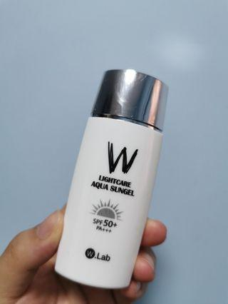 W Lab lightcare aqua sungel spf50+ PA+++