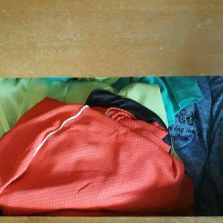 馬拉松送的排汗衫5件