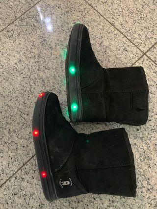 Kids winter boots size 13