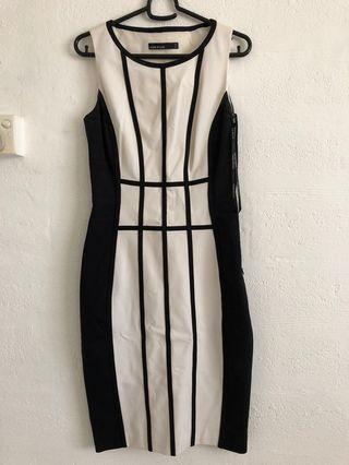 🚚 Karen Millen Dress