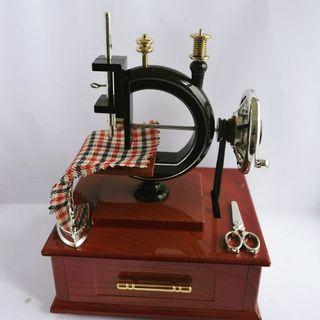 Music box antik