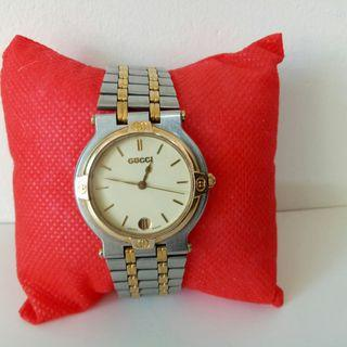 Auth Gucci two tone Watch