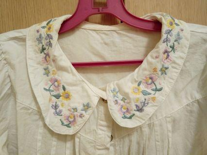 Vintage white flower embroidery peterpan collar long sleeve shirt