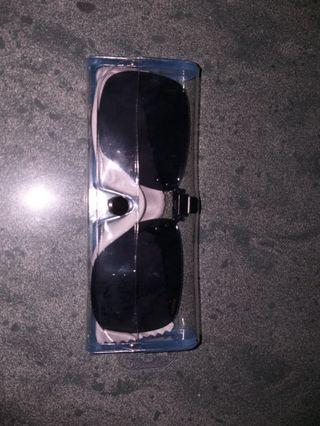 Sunglasses to wear on Glasses