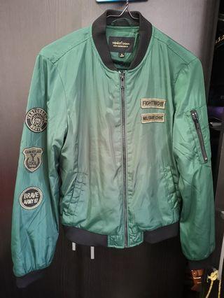 🚚 Green Jacket 墨绿色外套