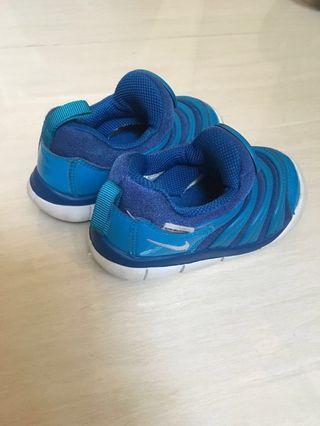 Nike 22码鞋
