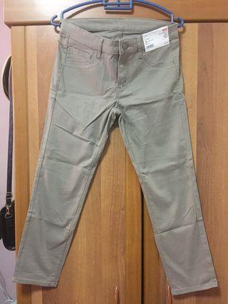 [UNIQLO] Women Cropped Legging Pants - Light Beige