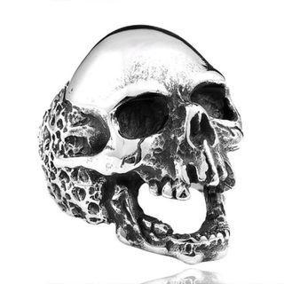 《 QBOX 》FASHION 飾品【RBR8-382】精緻個性龐克風骷顱頭鑄造鈦鋼戒指/戒環