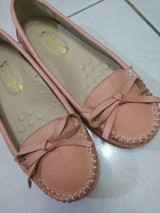 全新 粉色 真皮 蝴蝶結娃娃鞋 豆豆鞋