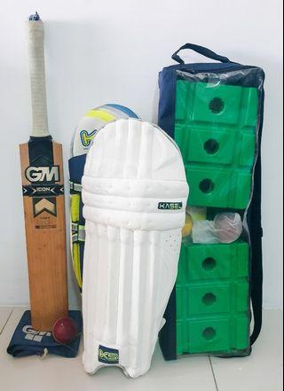 Cricket Set In Excellent Condition