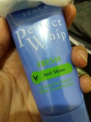 SENKA PERFECT WHIP ANTI SHINE FOR OILY SKIN / SENKA FACIAL WASH