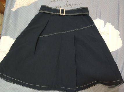 90%🆕黑色半身短裙