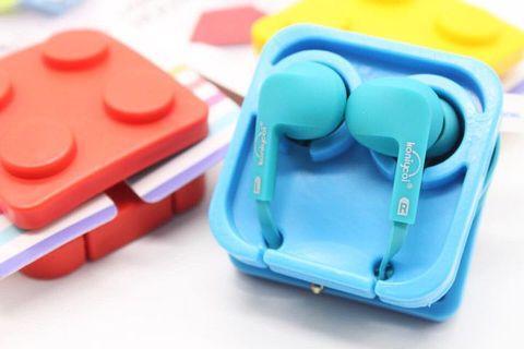 Brick earphone holder