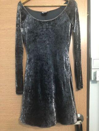 🚚 Velvet dress