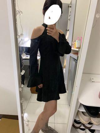 🚚 Air space實體店面購買 黑色露肩傘裙洋裝