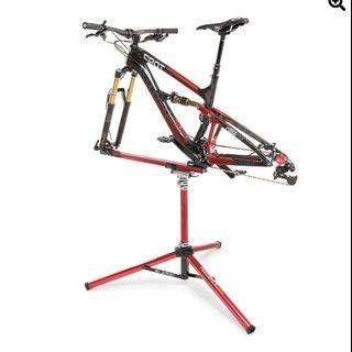 Dropout style bike repair wash stand by Feedback Sports