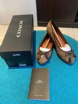 🚚 Brand new Coach ballet flats shoes (Khaki/ Size US 6.5)