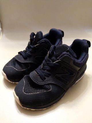 New Balance兒童波鞋