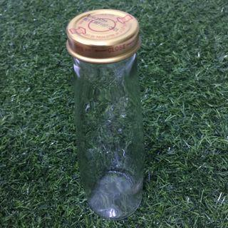 Glass bottle with cap (250ml)