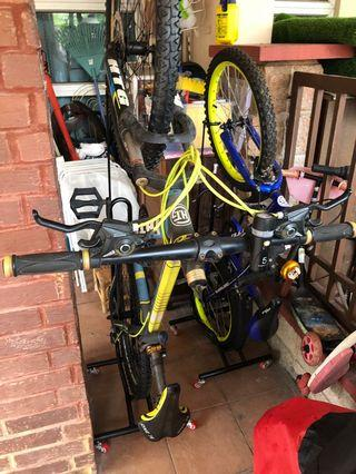 Bicycle movable stand