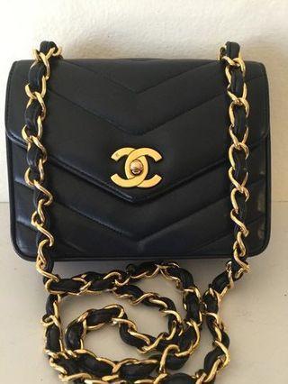 🚚 Chanel Mini flap Bag