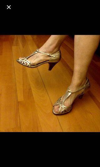 減價😜Rebeca Sanver shoes almost new